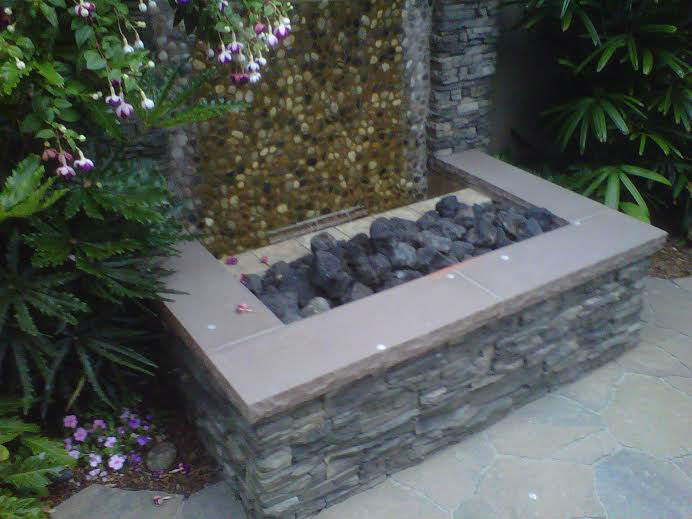 Photo gallery outdoor kitchens fire rings gardens for Backyard landscaping ideas san diego