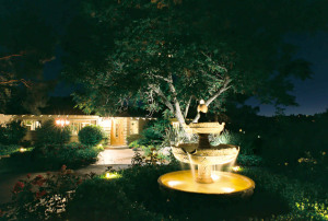 low voltage lighting - Landscape Design Trends 2015